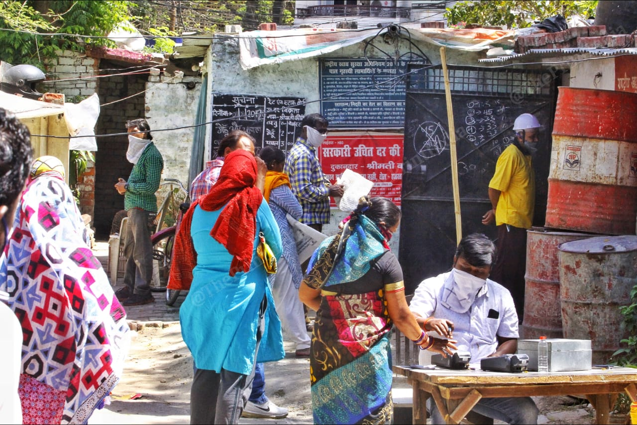 The usage of fingerprint verification at the Dalibagh ration shop in Lucknow. | Photo: Praveen Jain/ThePrint