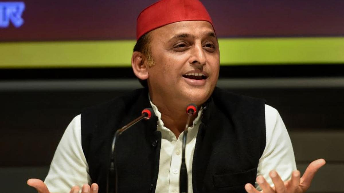 Akhilesh Yadav leaves cricket fans in splits with bizarre poll promise
