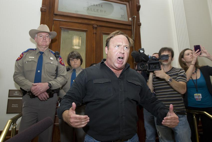 Alex Jones told the crowd at Capitol Hill to not fight the Police
