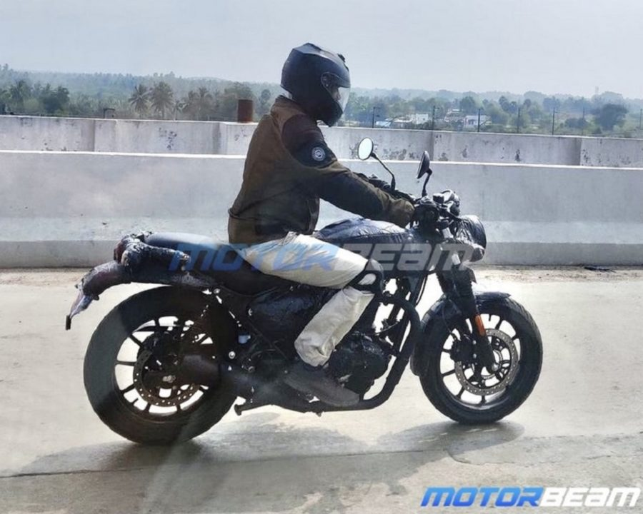 Royal Enfield Hunter 350 spied side view