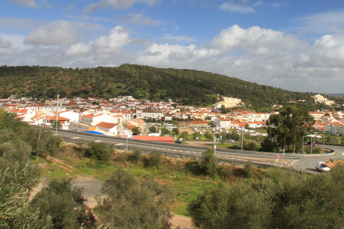 British couple found dead in same room of holiday home in the Algarve
