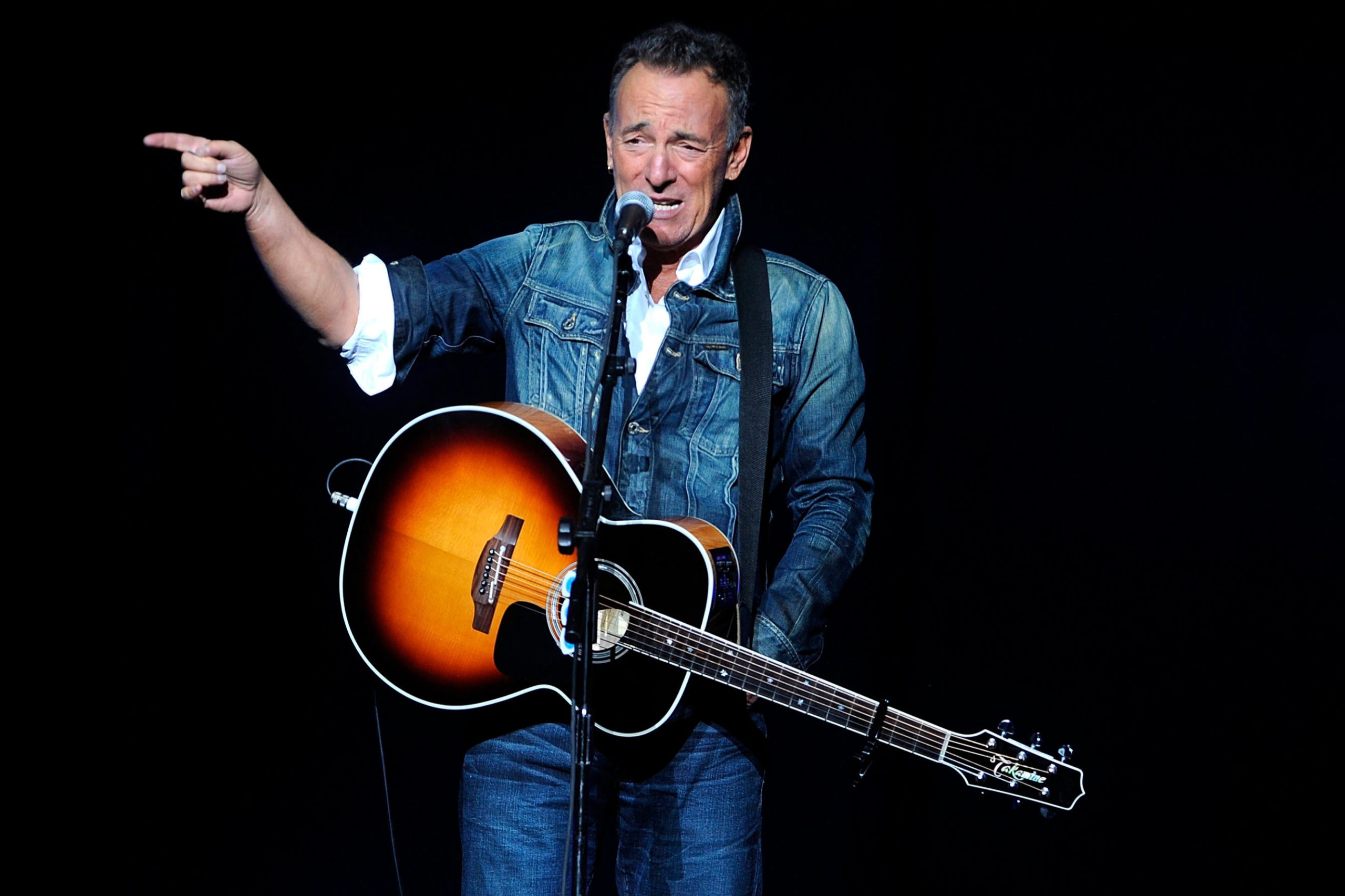 Bruce Springsteen 'drink-drive' blow for Jeep