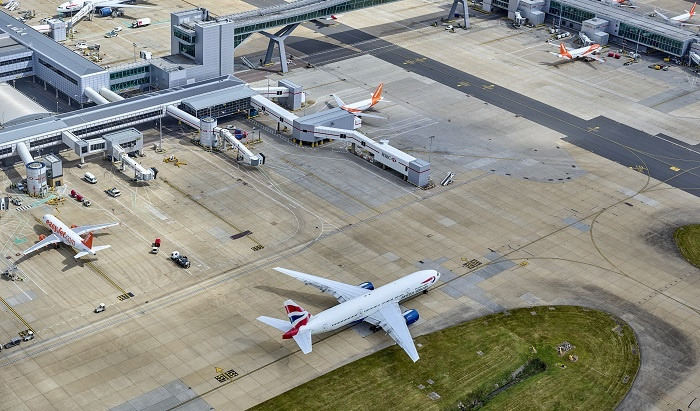 Gatwick looks to recovery following £465m loss