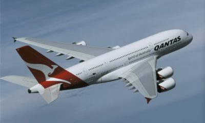 Qantas delays international return until end of October