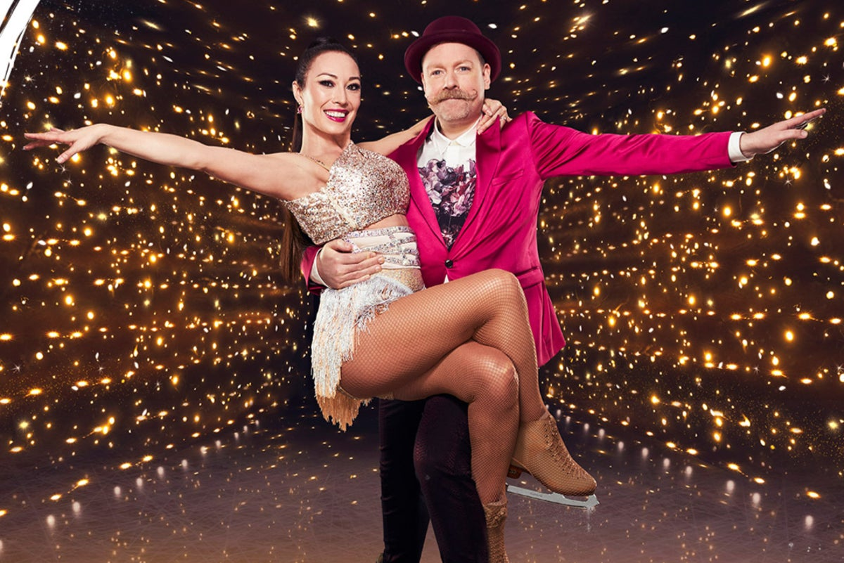 Rufus Hound quits Dancing on Ice after positive Covid test