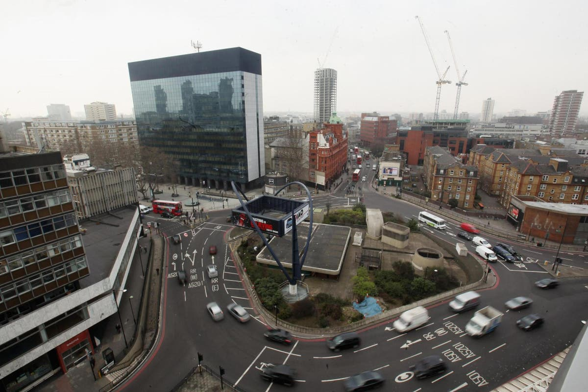 Tech sector recruiting in London now above pre-Covid levels, Hays boss reveals