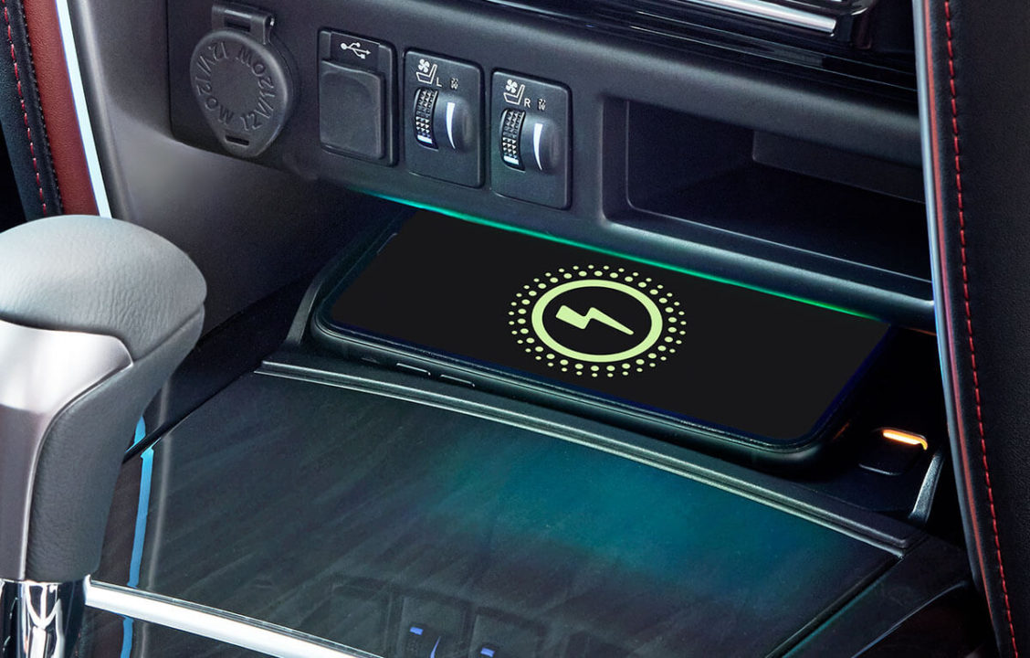 Fortuner Legender wireless Charger