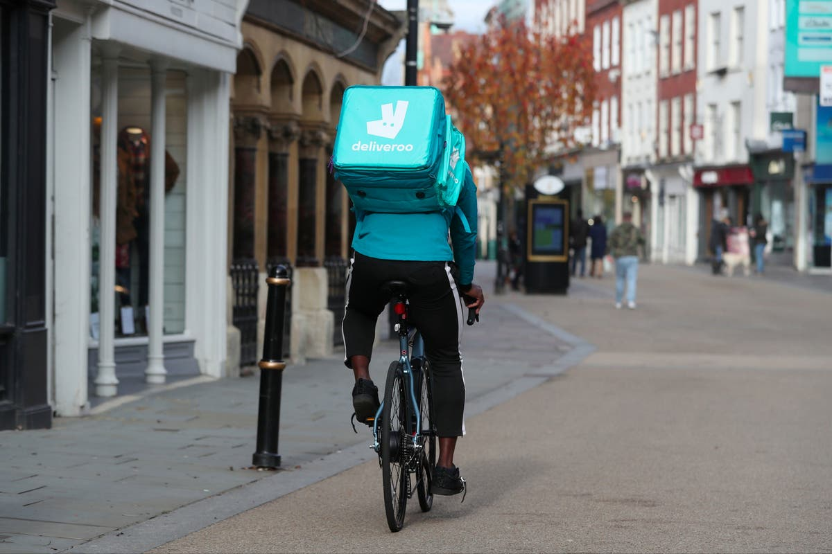 Deliveroo chooses London for its £8bn float in boosts for Rishi Sunak