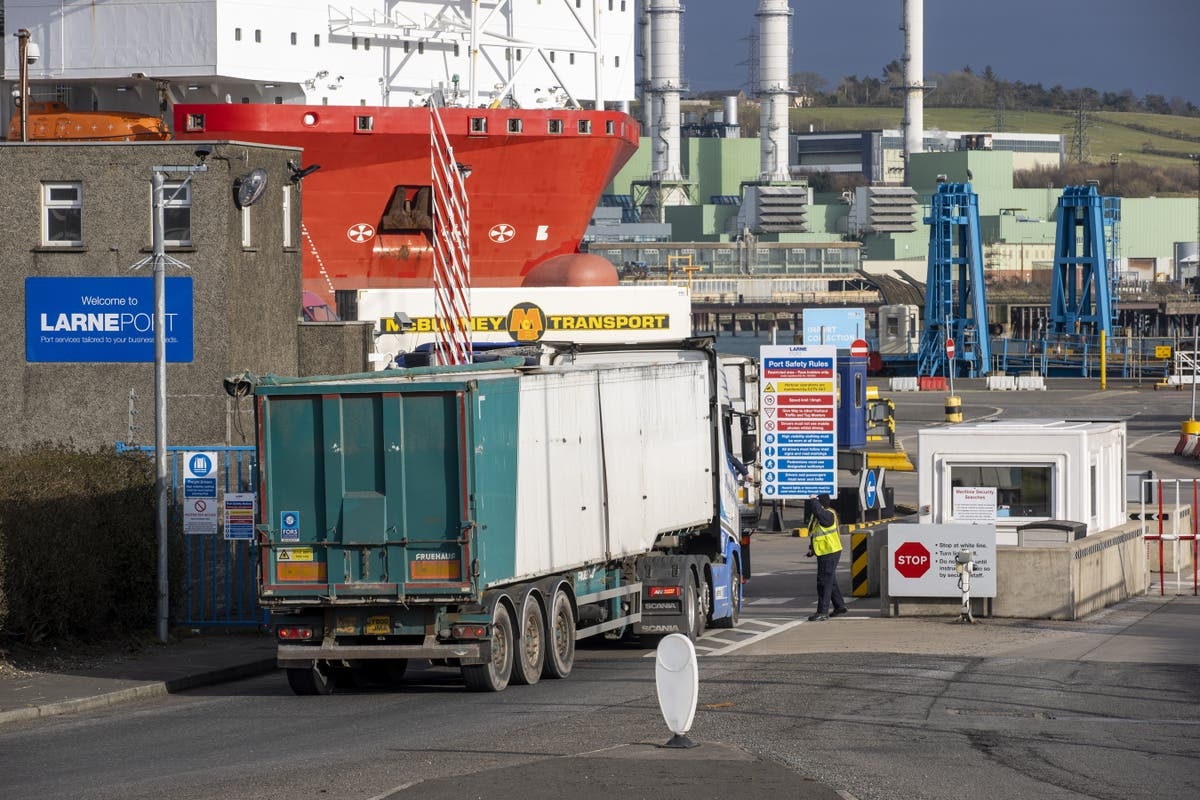 """Forget """"teething problems"""", Brexit is still hitting UK exports, say transport giants"""