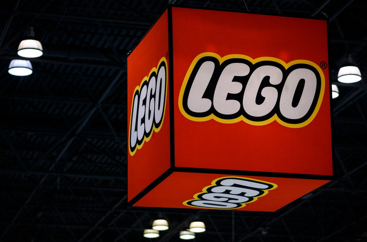 French police on hunt for international gang of Lego thieves