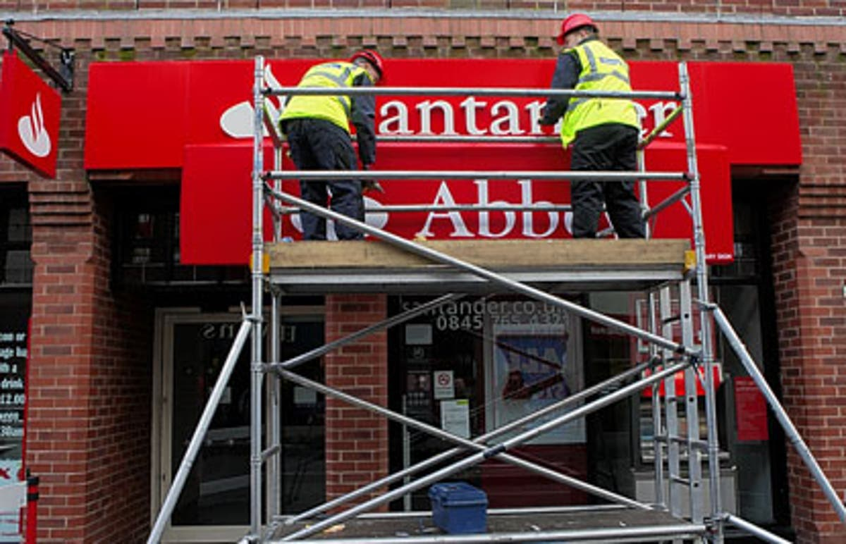 Santander closures: Bank to close more than 40 bank branches in London
