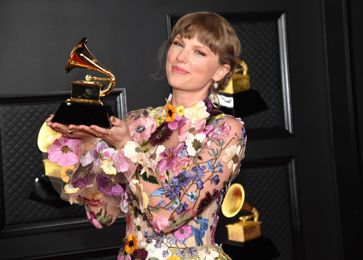 Taylor Swift gives shout-out to Joe Alwyn in Grammys acceptance speech