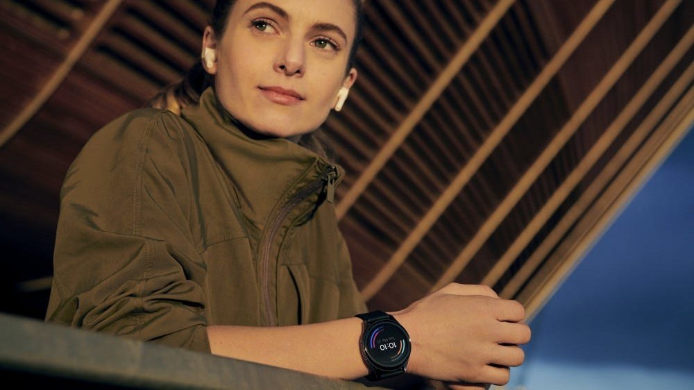 The New $159 OnePlus Watch Can Track SP02 and Parkour Workouts