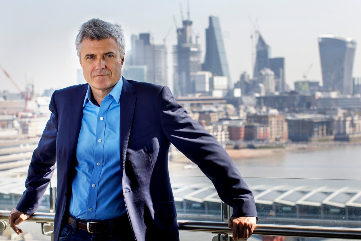 WPP writes off £3bn but predicts summer bounce back in advertising market