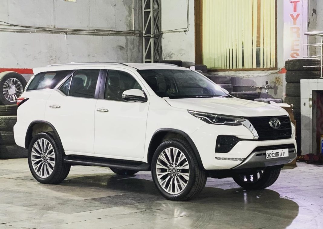 Toyota Fortuner with 22 inch alloy wheels