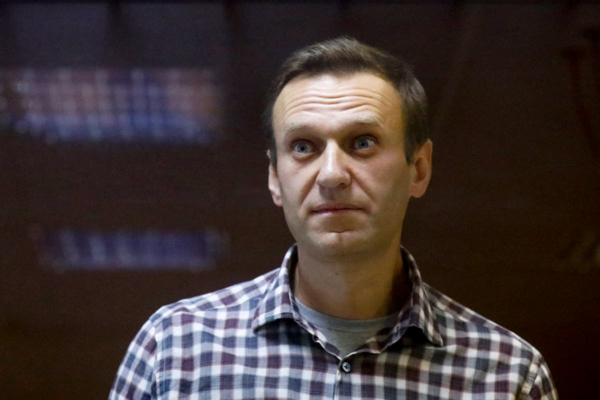 Alexei Navalny moved to hospital as hunger strike continues for third week
