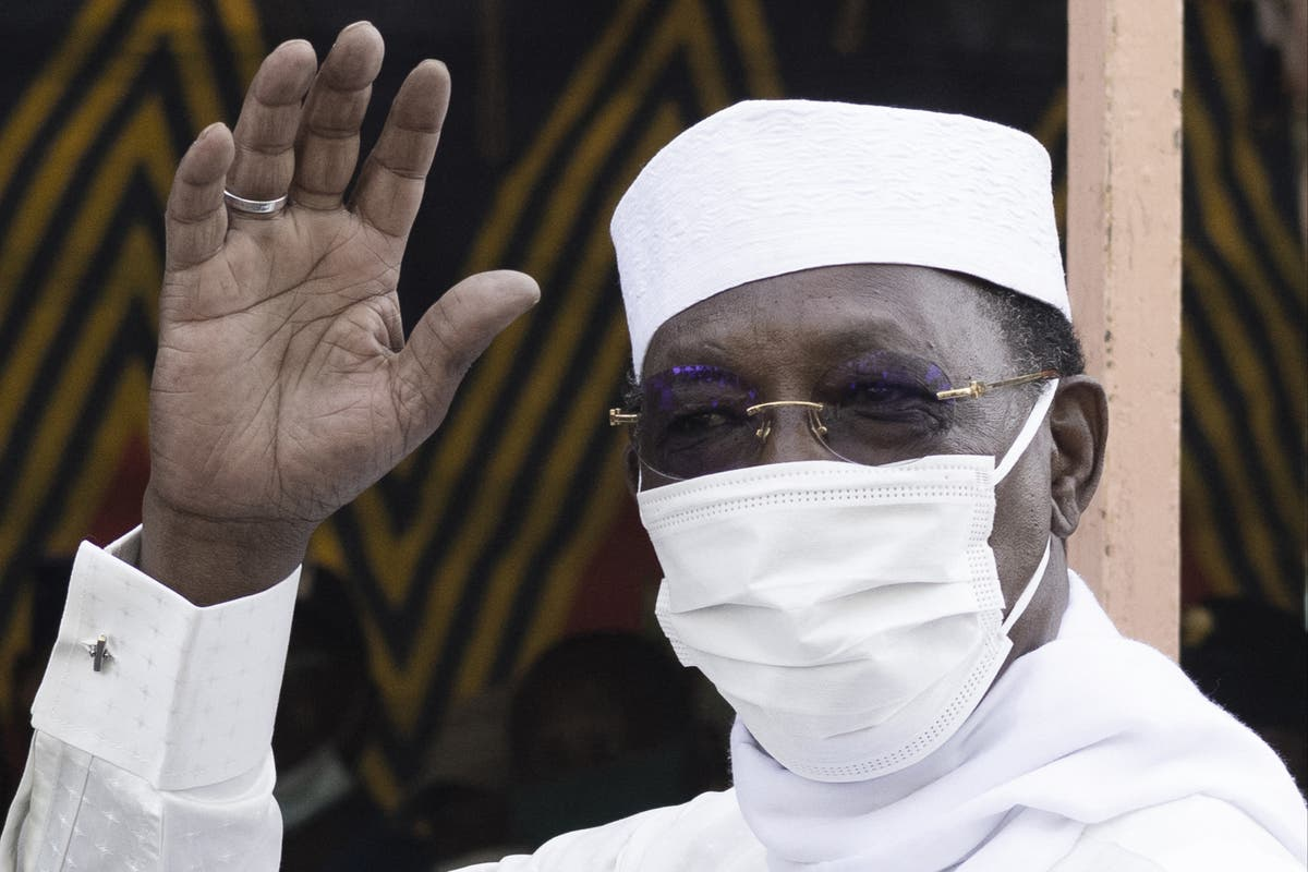 Chad president dies in clashes with rebels day after winning election