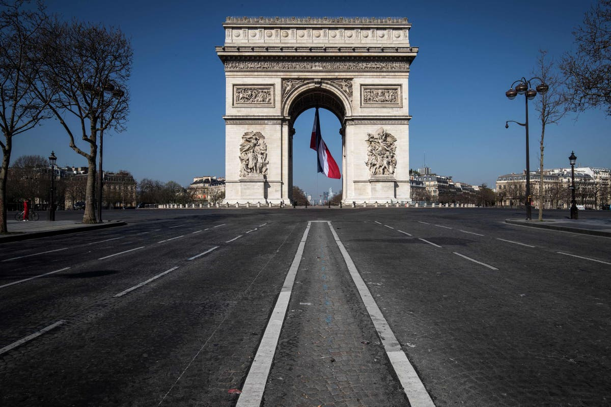 French officials hit back over claims Paris is 'trashed'