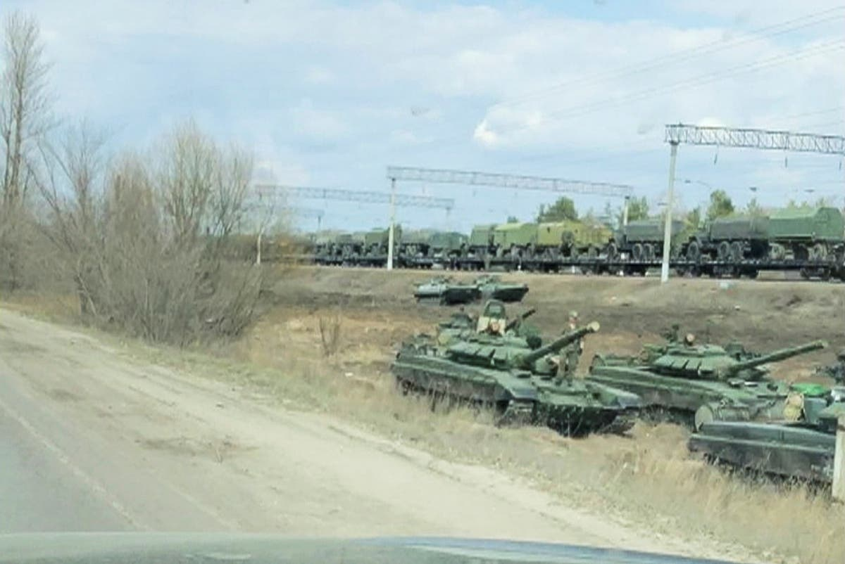 Russia 'paints invasion stripes on assault vehicles' at Ukraine border