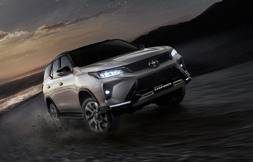 Toyota Fortuner Legender wallpaper