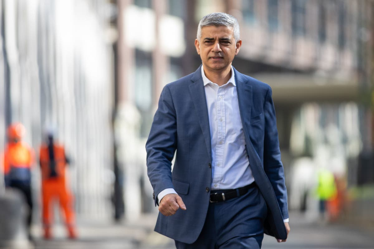 "Unions demand Sadiq Khan outlaws ""fire and rehire"" bus companies ripping off workers as Go Ahead workers strike"