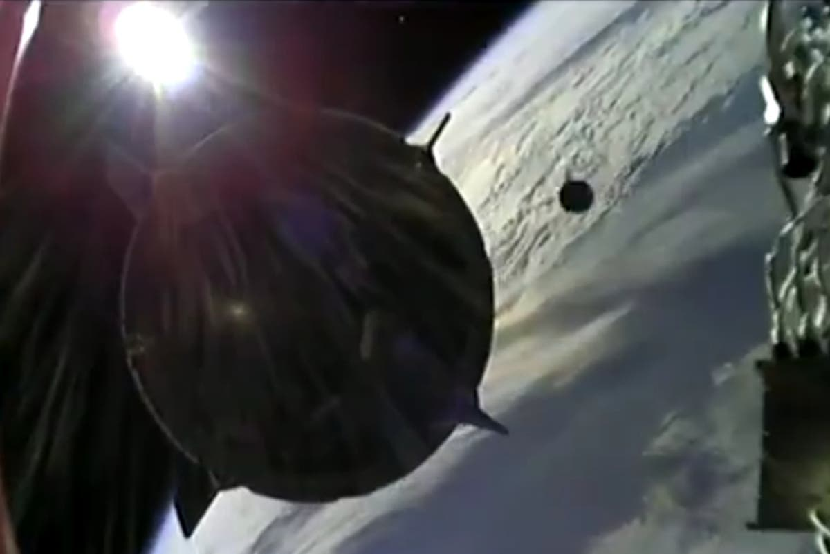 Watch near miss of 'space junk' impact with SpaceX capsule