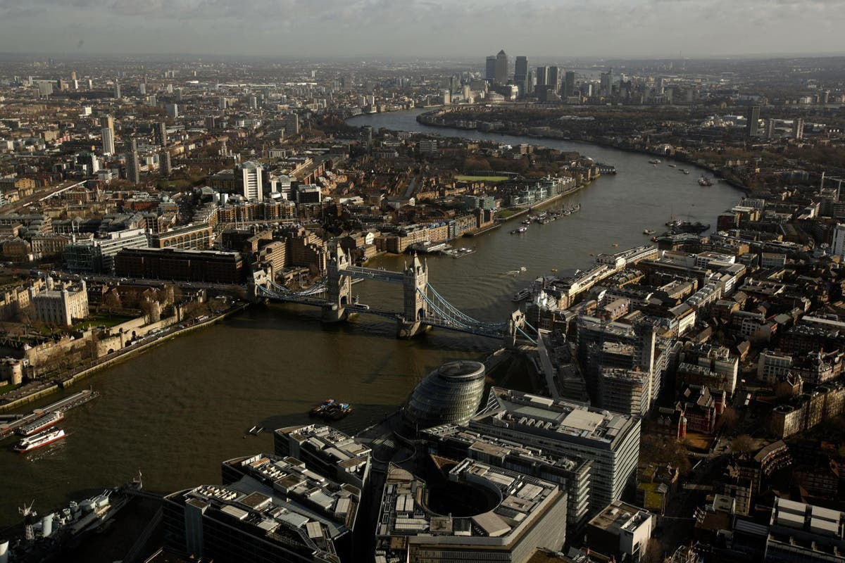 Investors near deals for £3.3bn of central London office purchases