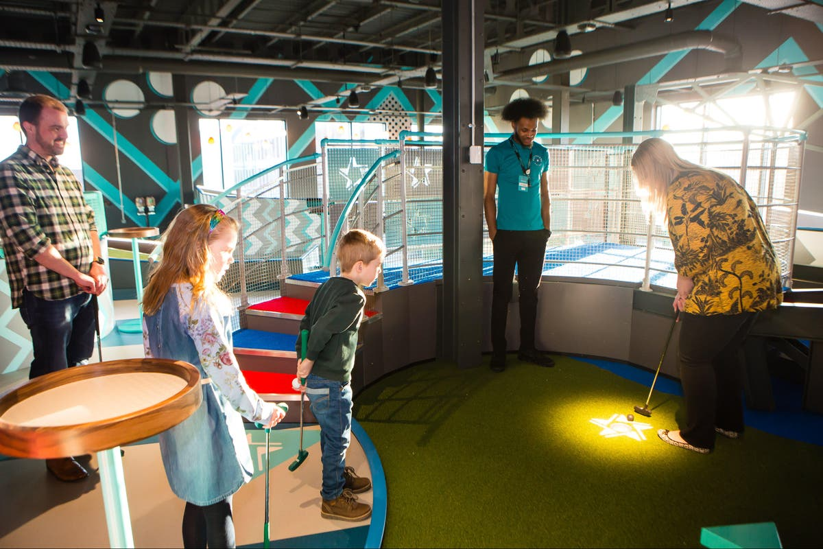 Hollywood Bowl reveals plans for new London mini-golf site as leisure chain reopens