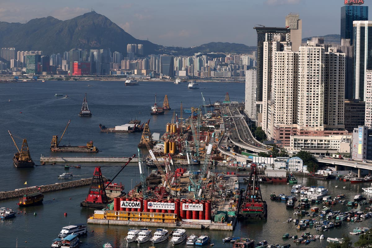 Covid: UK travellers banned from Hong Kong this week